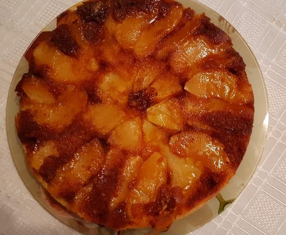 ябълков сладкиш с карамел