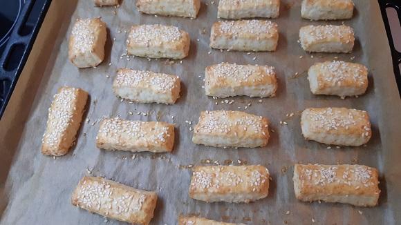 Соленки със сирене и кашкавал 3